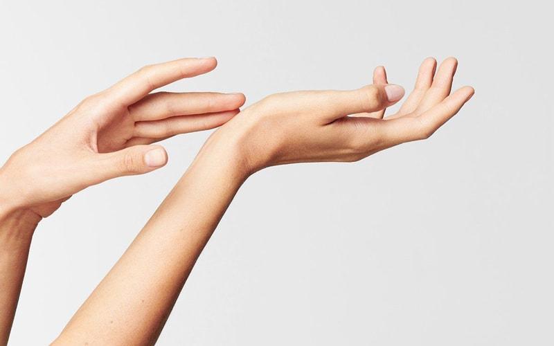 اهمیت مراقبت از پوست دست